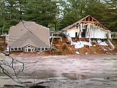homes-collapse-in-lake-delton-flood-wmtv.png