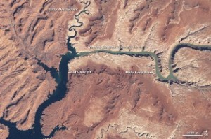 Lake Powell 1999 - NASA Earth Observatory