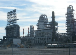 BP refinery in Whiting IN, expanding to process Canadian tar sands. Photo: M Swedish